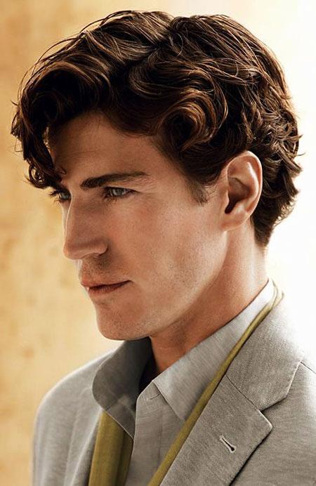 Medium Length Hairtyle for Men, Curly Hair Trends Medium