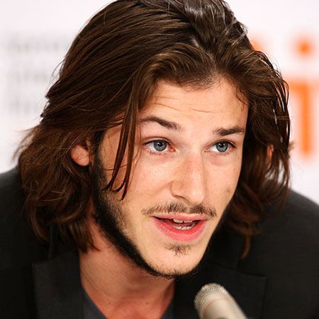 20-male-celebrities-with-long-hair