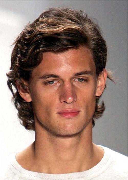 Hairstyles For Wavy Hair Men